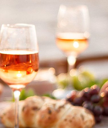 Oranžové víno – původ, výroba, zajímavosti